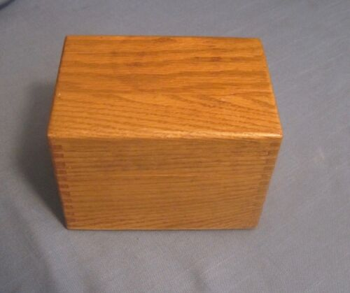 Vintage Oak Wood Dovetailed Index 3 x 5 Recipe Card File Box