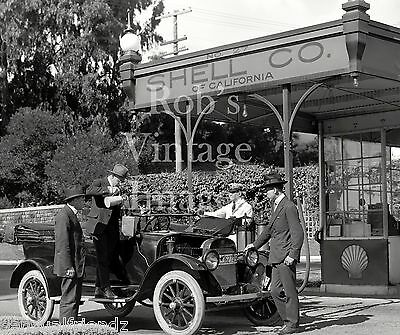 Vintage Old Shell Gas Service Station photo 1920s Adding oil to auto car