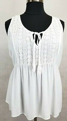 - LOVE ON A HANGER WHITE EMBELLISHED W/ ROCHET LACE SLEEVELESS GAUZE TOP PLUS 1X