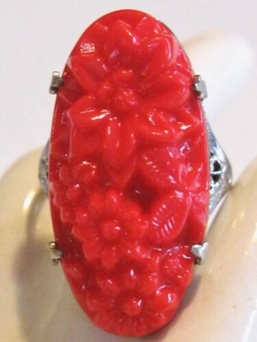BRIGHT RED ART DECO FLORAL PRESSED GLASS ELONGATED OVAL RING W/ FILIGREE WORK