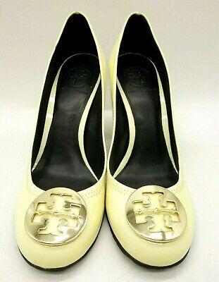 Medallion-block (Tory Burch Patent Leather Gold Logo Medallion Block Heels Shoes Women's 8.5 M)