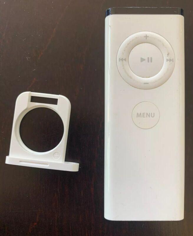 Apple remote white A1156