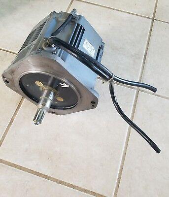 Yaskawa Motoman Robot Ac Servo Motor Usaded-13yrw11 Encoder Utmah-b12bdyr7
