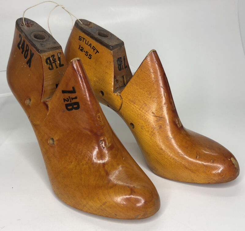 Vintage Stuart Cobbler Shoe Form Womens 7 1/2 B Primitive Wood Metal Mold