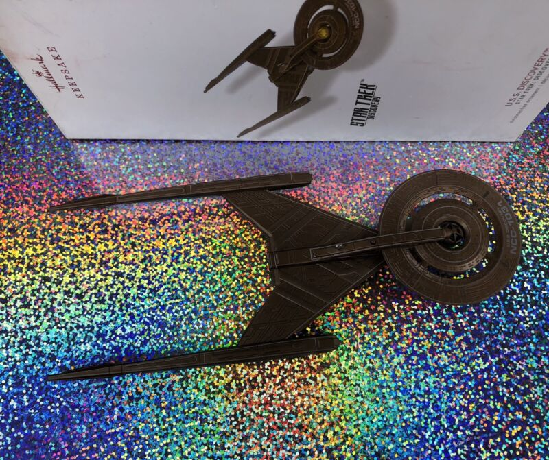 Star Trek USS Discovery 2018 Hallmark Keepsake Christmas Ornament Light Magic