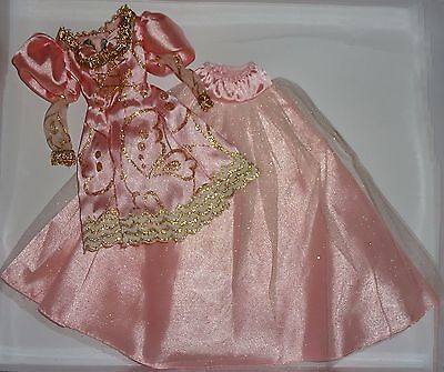 1997 Rapunzel Barbie Princess Beautiful Pink and Gold Shimmer Gown Dress LOVELY!