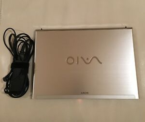 Ordinateur portable / Laptop Sony vaio (negociable)