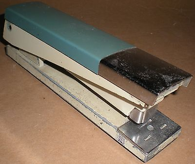 Stapler Staples Acco 20 International Chicago Il Tested Vintage Metal