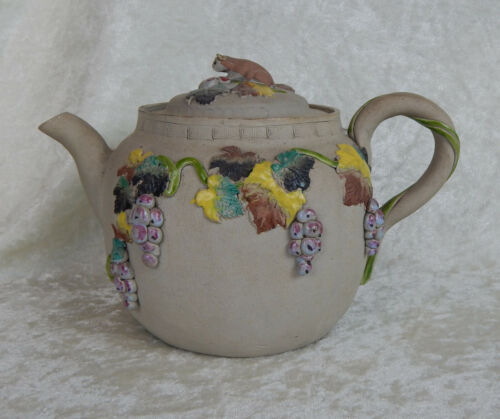 ANTIQUE JAPANESE BANKO TEAPOT MEIJI PERIOD POLYCHROME APPLIED SQUIRREL SIGNED
