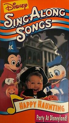 Happy Halloween Country Music (Disney Sing Along Songs Happy Haunting Party at Disneyland (VHS)TESTED)