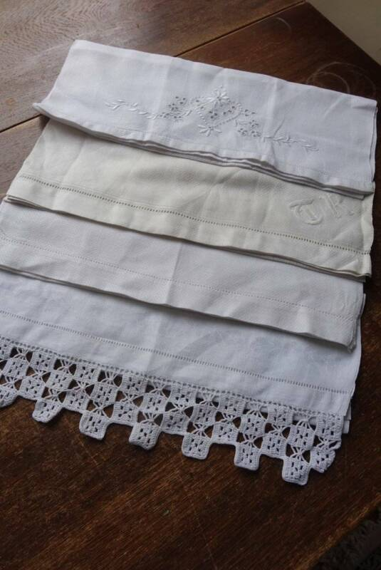 Bundle of 4 vintage linen damask guest towels with embroidery & lace detail