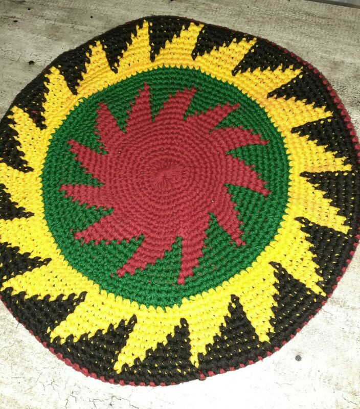 Crochet Knit Beret Cap preowned red, green, yellow, black