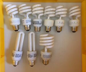 CFL energy saving light bulbs with twist in base,