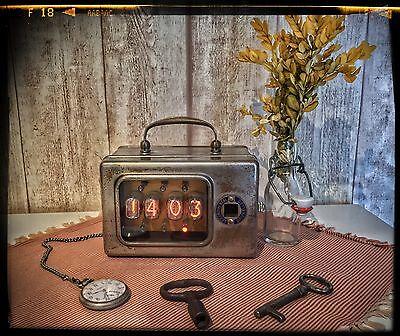 Nixie Uhr im versilberten Messing-Gehäuse - Steampunk,  Shabby Teslapunk, Loft