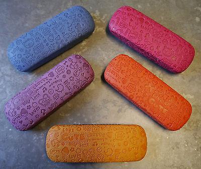 Brillenetui mit Prägung für Kinder (Jungen und Mädchen) verschiedene Farben