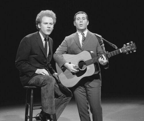 Simon & Garfunkel -  MUSIC PHOTO #6