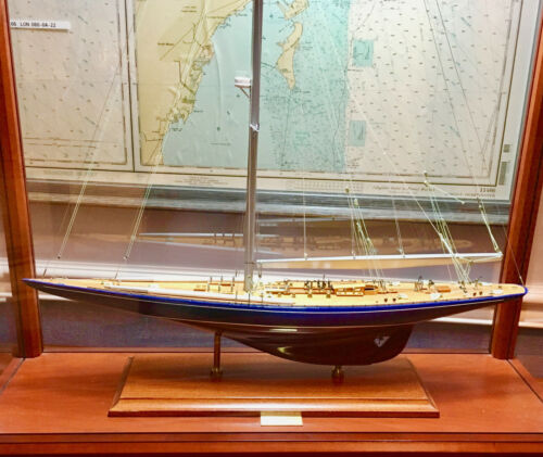 Endeavour J-Class Yacht w/ Glass Case