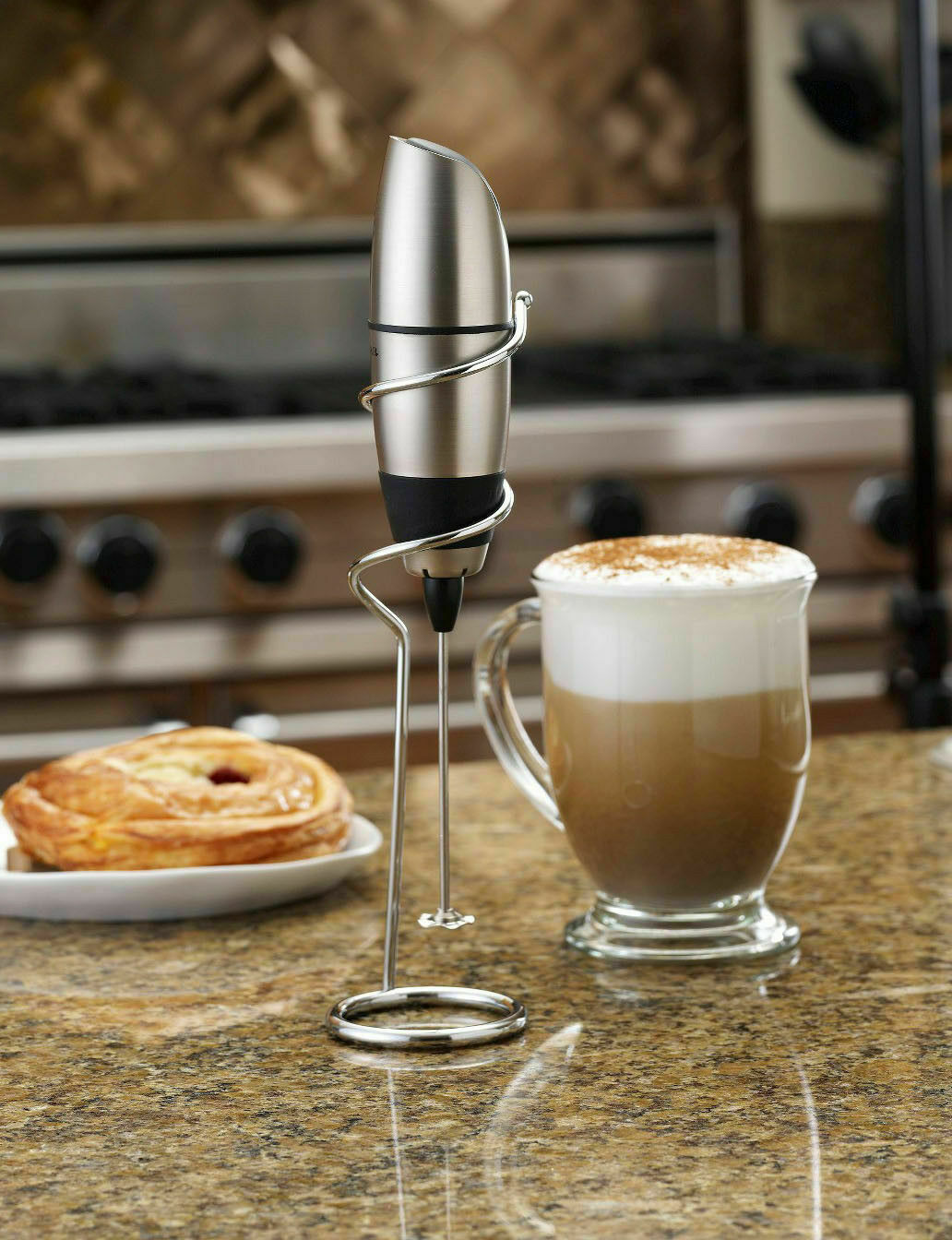 Cafe Latte Frother in Black