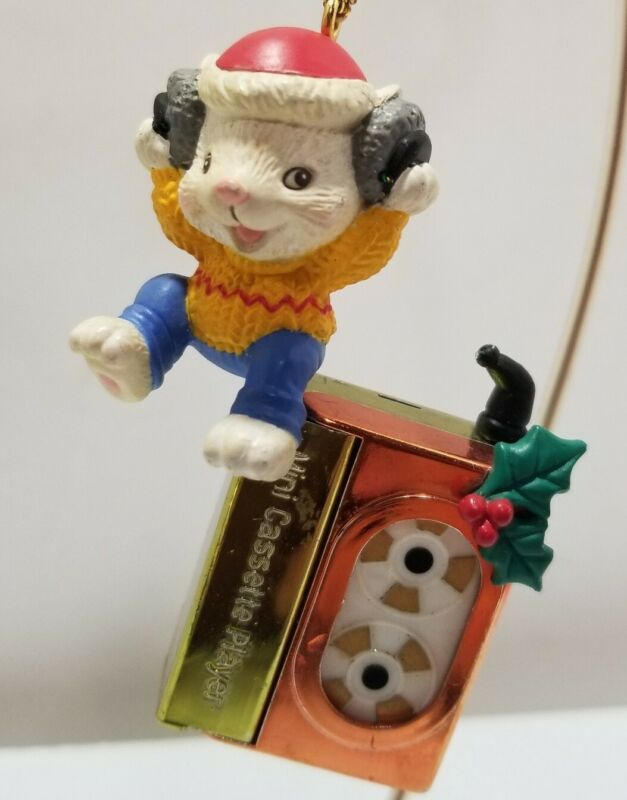 house of lloyd christmas around the world Ornament-Melody Mouse
