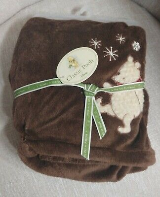Disney Classic Pooh Baby's First Christmas Holiday Fleece Blanket NWT