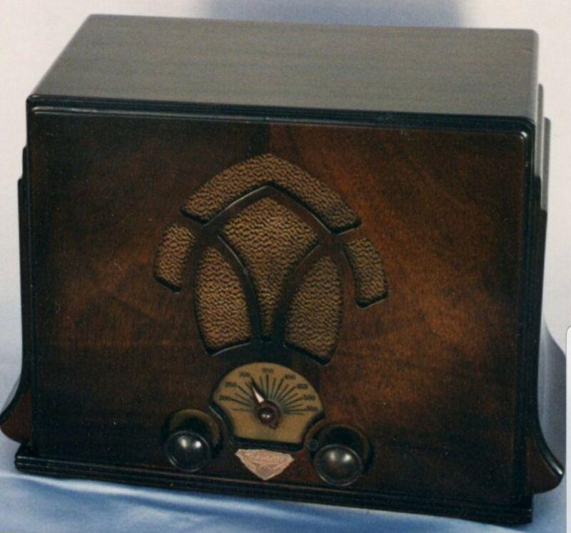 Badge for The AWA Fisk Radiolette Model 24 (44)    ( brand new precision )