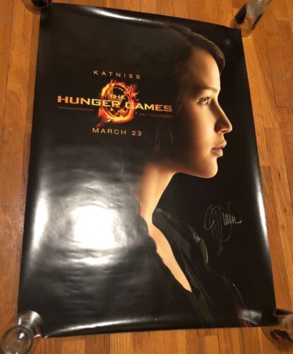 JENNIFER LAWRENCE SIGNED THE HUNGER GAMES PHOTO! POSTER! 27X40! AUTOGRAPH! HOT!