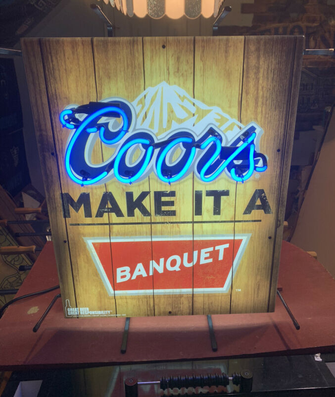 OFFICIAL COORS BANQUET NEON BEER BANQUET LIGHTED SIGN TON OF NEON 25x22x7 A+