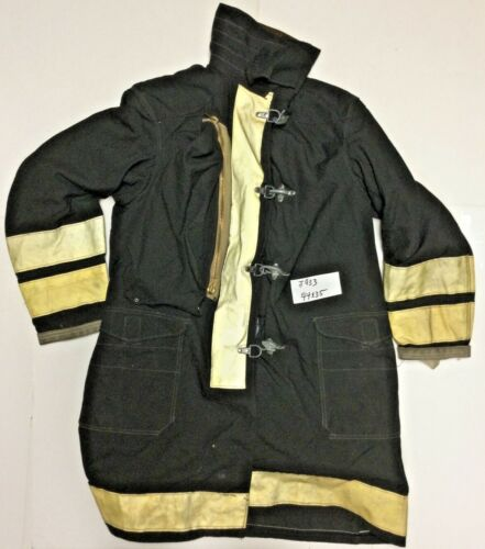 44x35 40L Globe Firefighter Black Turnout Jacket Coat with Yellow Tape J933