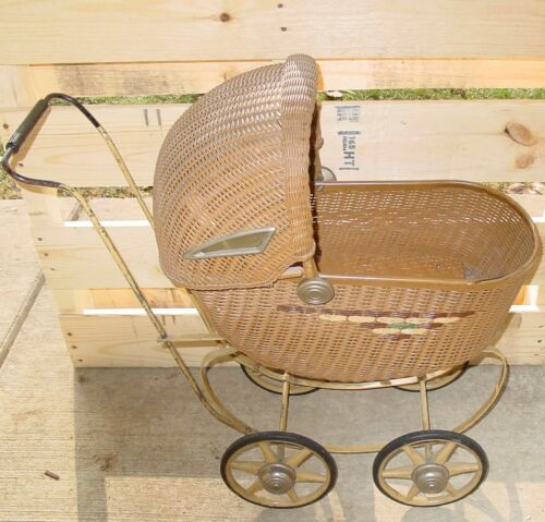 Antique Wicker Baby Doll Buggy Carriage Stroller Fabulous Condition