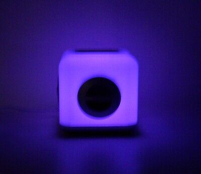 iHome iH15 W 30 Pin LED Color Changing Apple iPod/iPhone/MP3 Speaker Audio Dock
