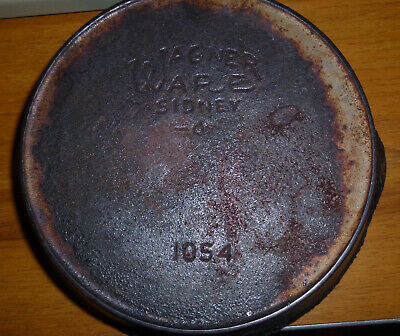 Wagner Ware No 4 (1054) Cast Iron Skillet w/Heat Ring