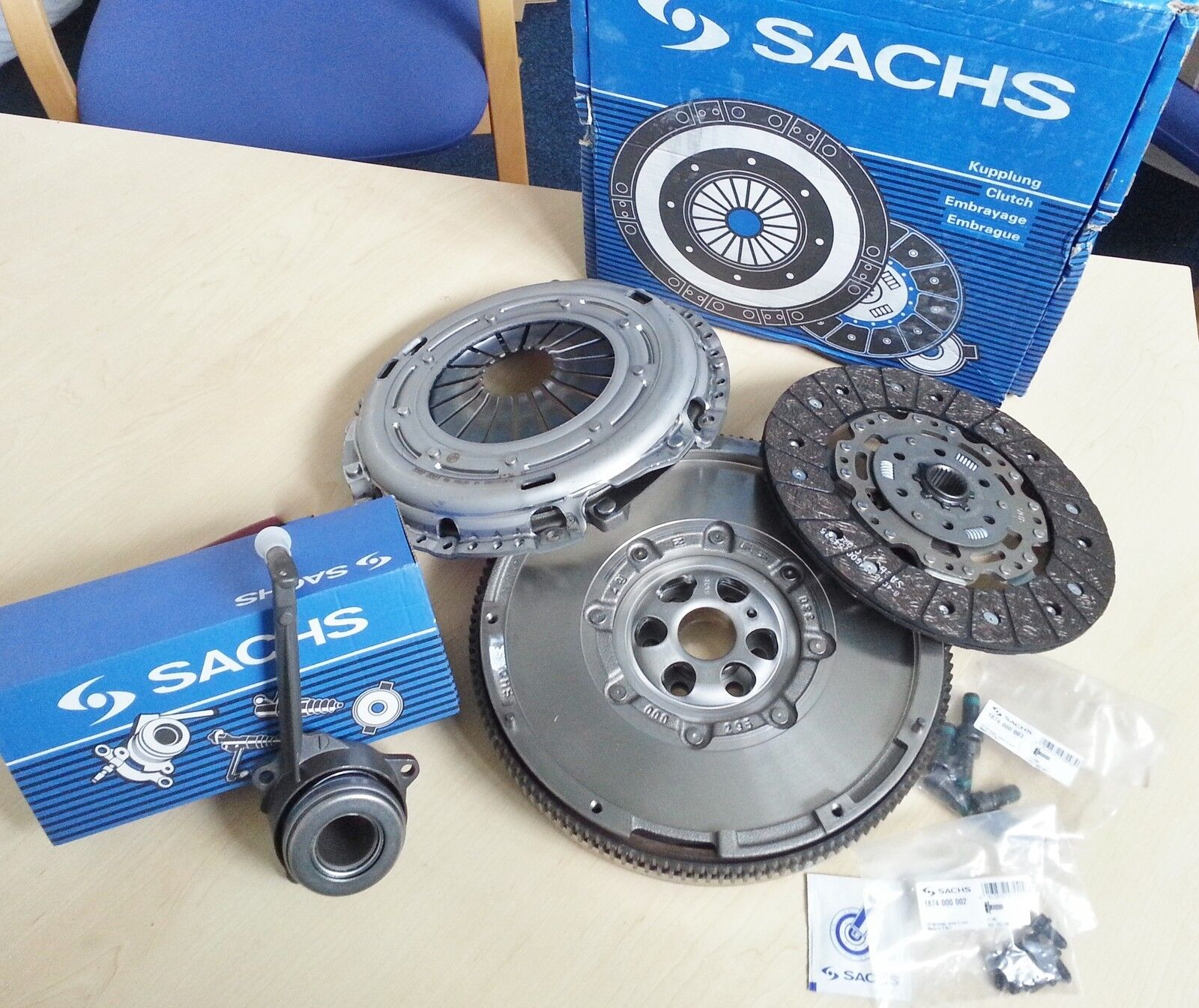 DUAL TO SMF FLYWHEEL AND CLUTCH KIT CSC BOLTS VW PASSAT 2.0 TDI 2.0TDI 16V