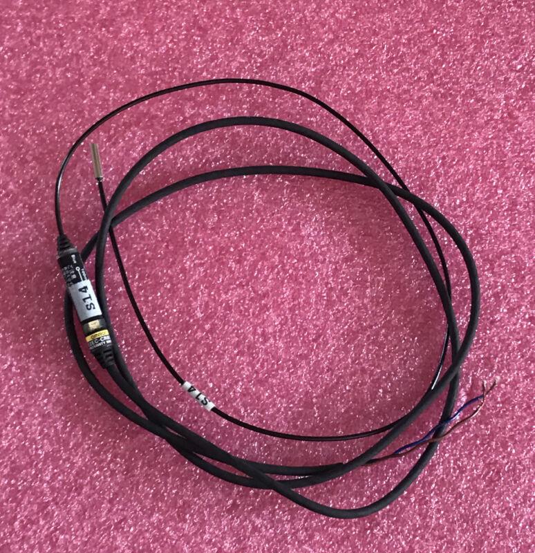 Omron E2EC-CR8D1 Proximity Switch