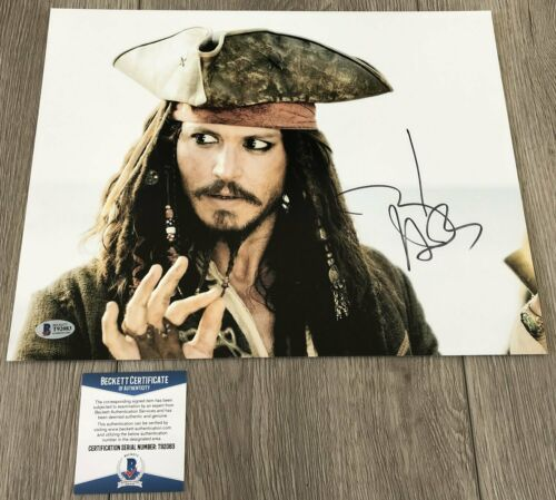 JOHNNY DEPP SIGNED PIRATES OF THE CARIBBEAN 11x14 PHOTO wPROOF & BECKETT BAS COA