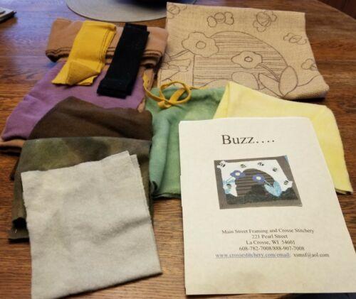 "Buzz... - Crosse Stitchery - Rug Hooking Kit  16"" x 16"""