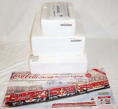 BACHMANN HO HAWTHORNE COCA COLA CHRISTMAS THROUGH THE YEARS TRAIN STARTER SET