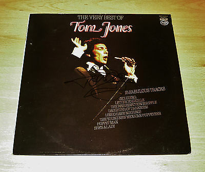 "Tom Jones SIGNED 12' Vinyl ""The Best of"" Genuine Authentic AUTOGRAPH + COA"