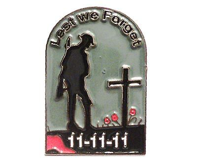 Lest We Forget Soldier By Grave In Poppy Field Armistice Remembrance Day Badge