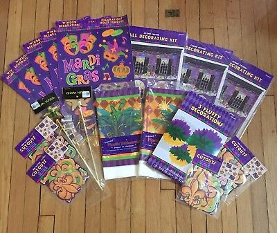 MARDI GRAS Party Decorations Pack - 118 pcs Wall/Table/Window/Pom Pom Decor - Mardi Gras Table Decor