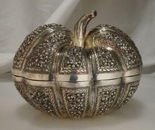 Vintage Cambodian 950 Silver Pumpkin Squash Betel Nut Box 255g -  57956