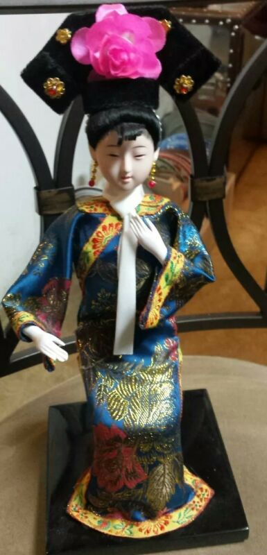 """Traditional Chinese Sitting Figurine Doll Statue 12"""" Tall #BBKST"""