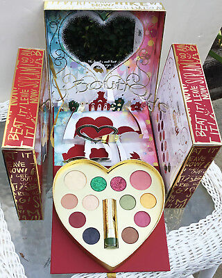 PÜR DR. SEUSS  THE GRINCH GOOD ENOUGH TO STEAL FACE MAKEUP PALETTE GIFT SET NIB