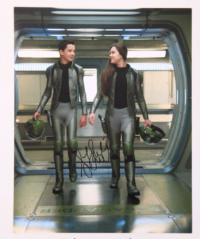 GFA Ender's Game Movie * HAILEE STEINFELD * Signed 11x14 Photo AD1 PROOF COA