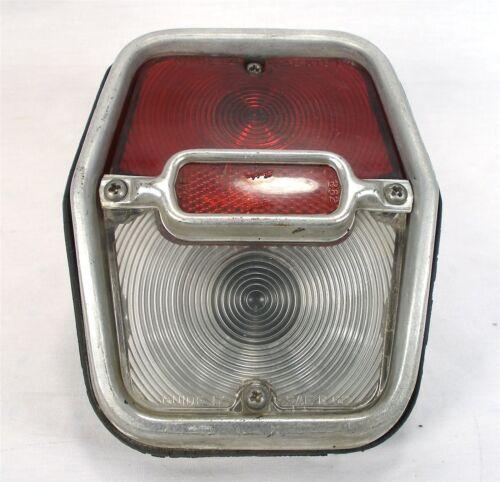 ORIGINAL 1962-64 CHEVROLET NOVA CHEVY II TAIL LIGHT ASSEMBLY BEZEL HOUSING LENS