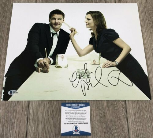 EMILY DESCHANEL & DAVID BOREANAZ SIGNED BONES 11x14 PHOTO & BECKETT BAS COA