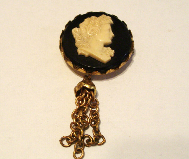 Art Nouveau Cameo Brooch Pin Plastic and Celluloid Vintage