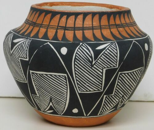 "M Torivio vintage acoma pottery vase 5"""