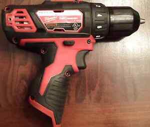 Milwaukee M12 drill/driver + extended battery - PRICED REDUCED Strathcona County Edmonton Area image 3