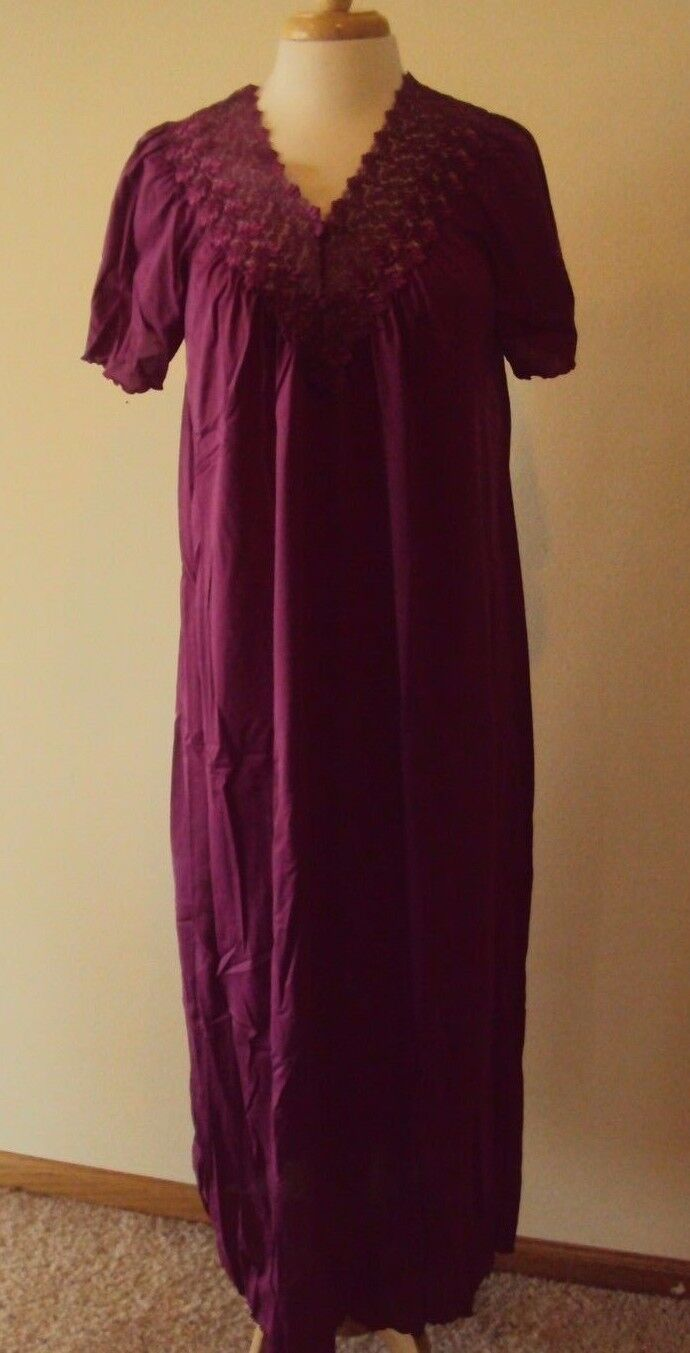 shadowline beloved nightgown style 32275 53 long size small 3x