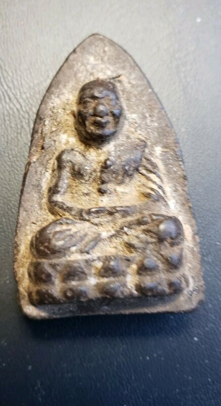 ANTIQUE LUANG PHOR TUAD AMULET WITH TAKRUT ON REAR SIDE OF AMULET